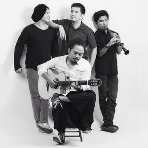 Payung Teduh подбор песен на гитаре